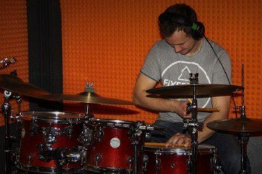Artur Kendzior perkusja